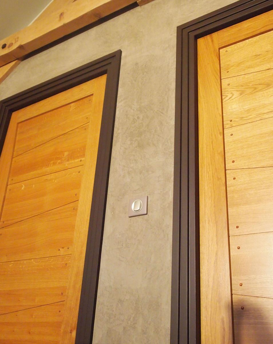 fabrication sur mesure de cadres de porte le blog de l 39 entreprise de peinture et d coration. Black Bedroom Furniture Sets. Home Design Ideas